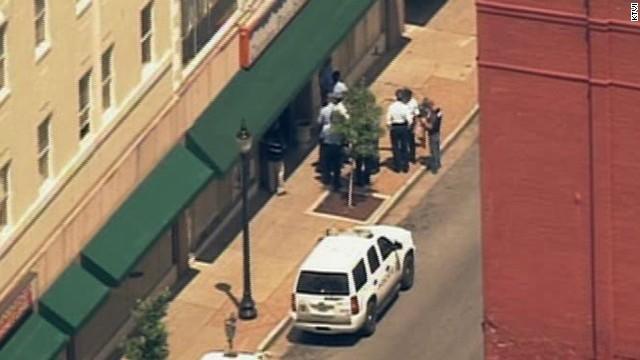 Четыре человека погибли во время стрельбы в бизнес-центре Сент-Луиса