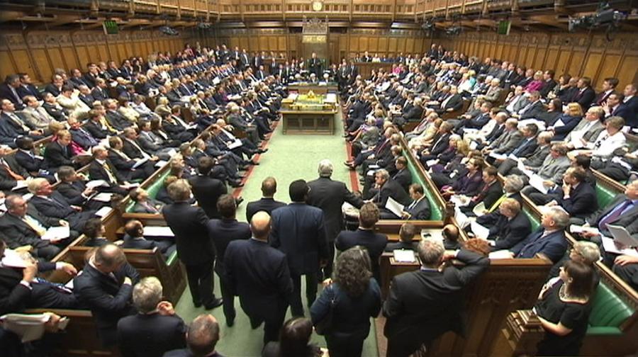 Спецслужбы Великобритании смогут шпионить за парламентариями и лордами