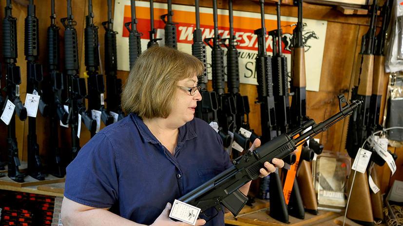 После стрельбы в Коннектикуте в США выросли продажи оружия