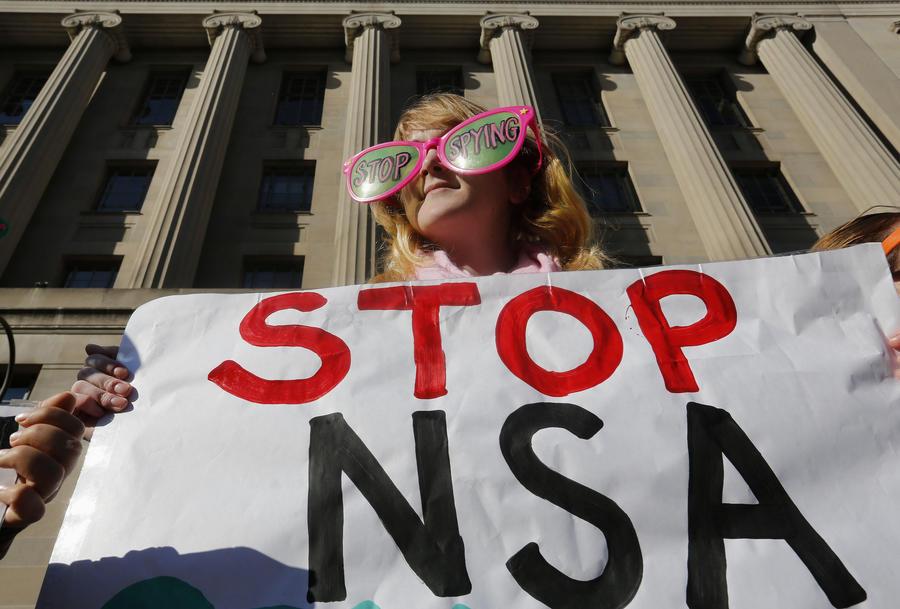 Американские правозащитники требуют от правительства США признать интернет-слежку АНБ незаконной