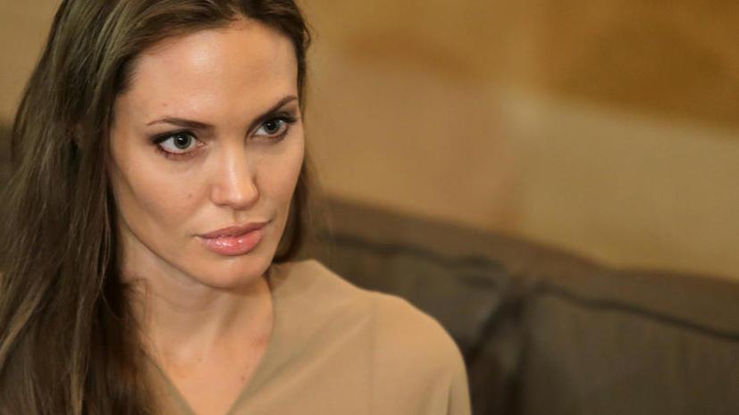 Тётя Анджелины Джоли умерла от рака груди