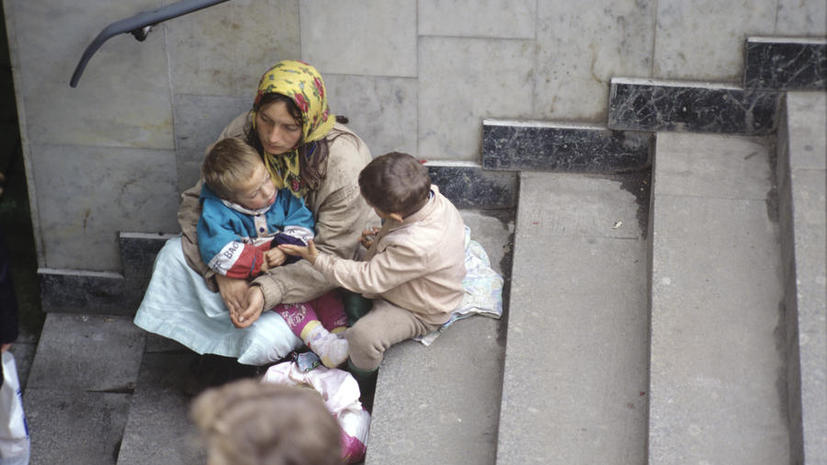СМИ: В России введут уголовную ответственность за использовани маленьких детей при попрошайничестве