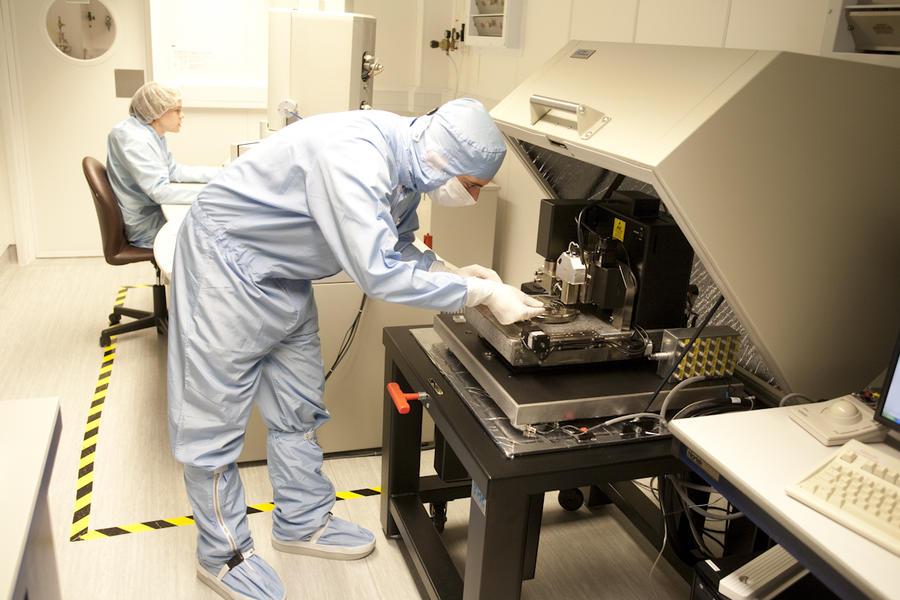 Новые свойства графена помогут создавать топливо «из воздуха»