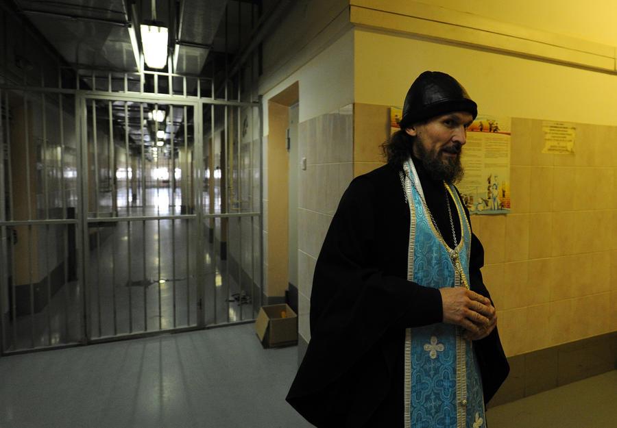 Судебные приставы Самарской области отправят должников к священникам