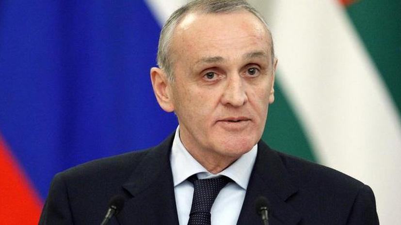 Президент Абхазии подал в отставку для сохранения гражданского мира