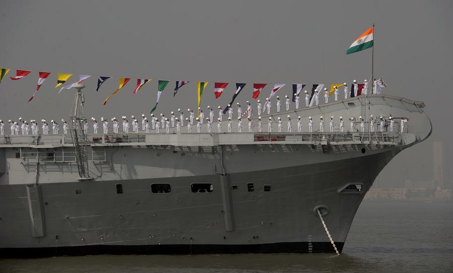 Индия спустила на воду первый авианосец собственного производства