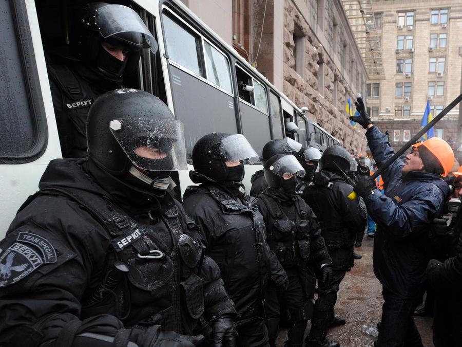 Бывшие сотрудники «Беркута» планируют открыть охранное предприятие в России