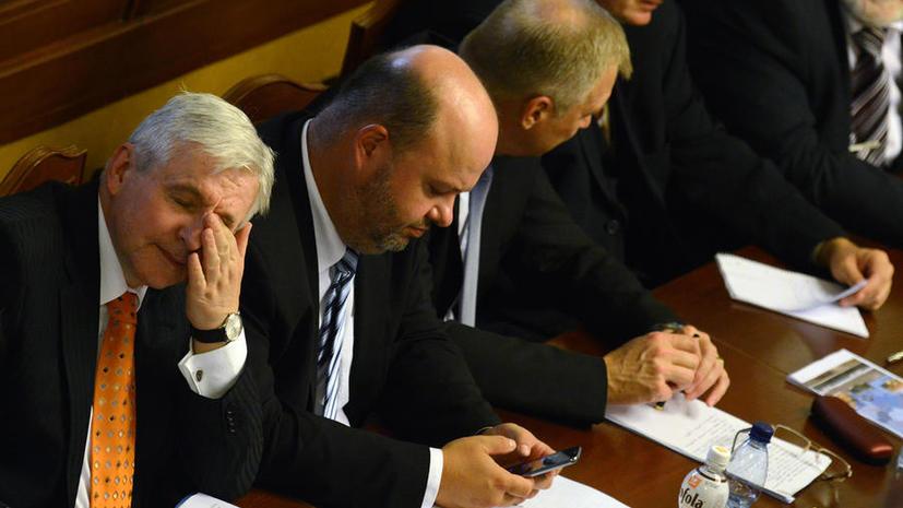 Чешский премьер уходит в отставку в результате вотума недоверия
