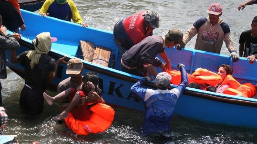 У берегов Индонезии затонуло судно с мигрантами на борту: 22 человека погибли