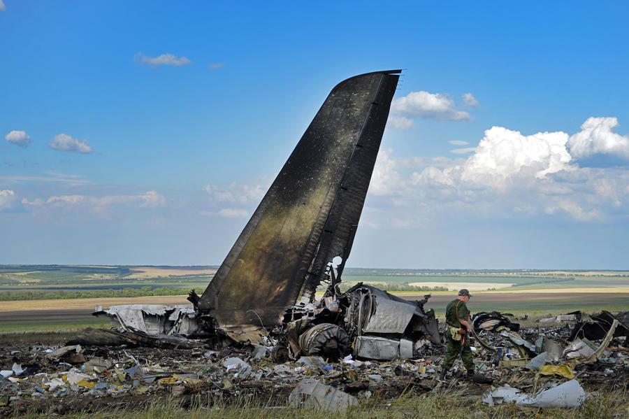 Ополчение: Самолёт Ил-76 был сбит под Луганском самими же украинскими военными