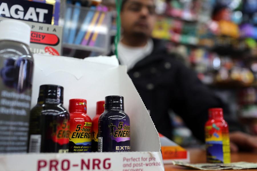 Врачи: Производители энергетиков скрывают правду о вреде этих напитков