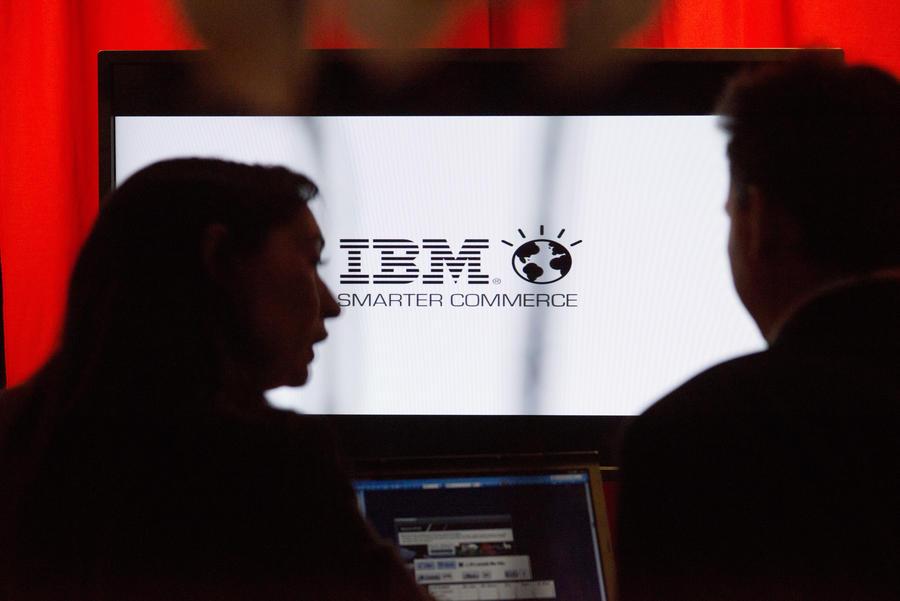 Китай призывает банки отказаться от IBM-серверов, чтобы пресечь возможный  шпионаж со стороны США
