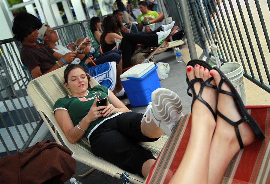 Исследование: Смартфоны не позволяют полноценно отдыхать во время отпуска