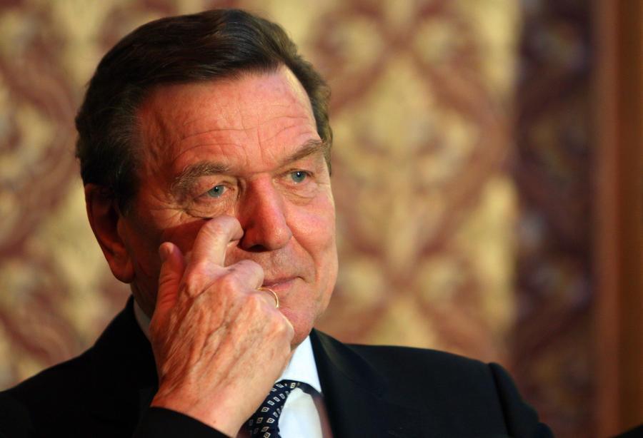 США следили за Герхардом Шрёдером из-за его экономических контактов с Россией