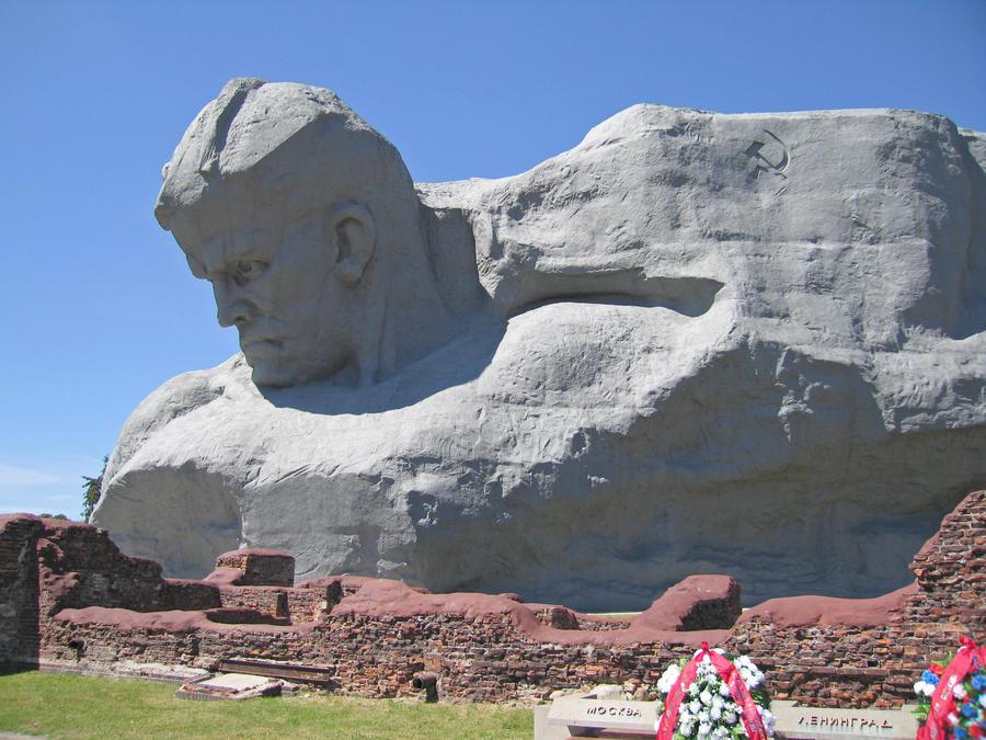Рейтинг самых уродливых памятников мира от CNN вызвал возмущение белорусов