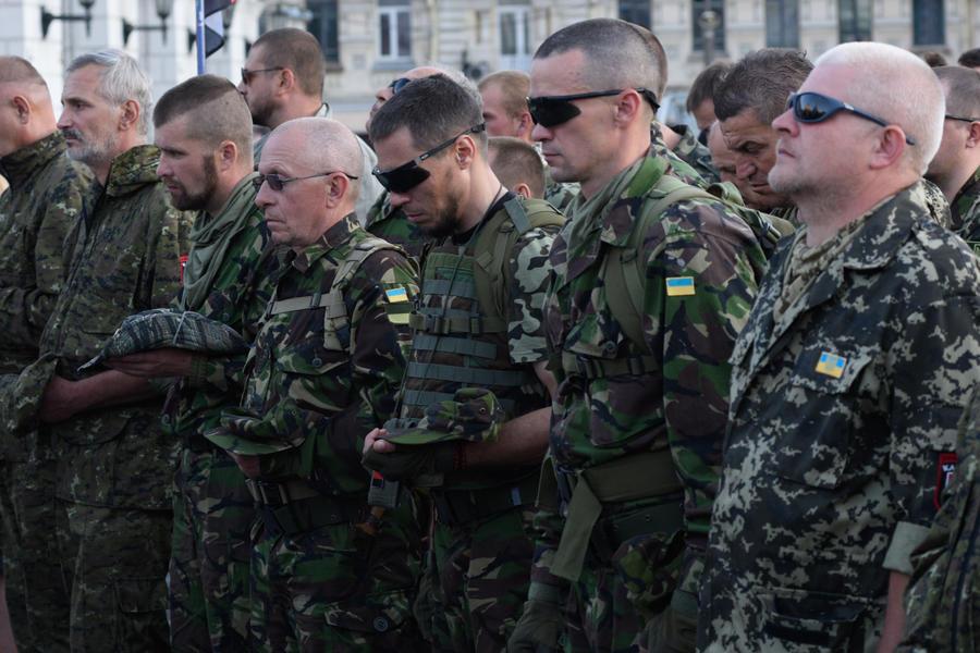 Британские СМИ: Боевики-националисты вышли из-под контроля Киева