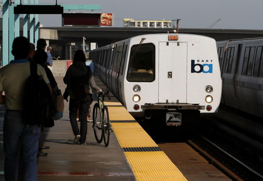 В США за непристойное поведение в электричке будут карать запретом на проезд