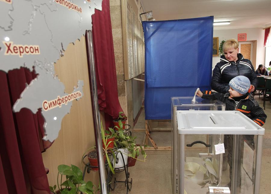 Exit-poll: 93% крымчан проголосовали за присоединение к России