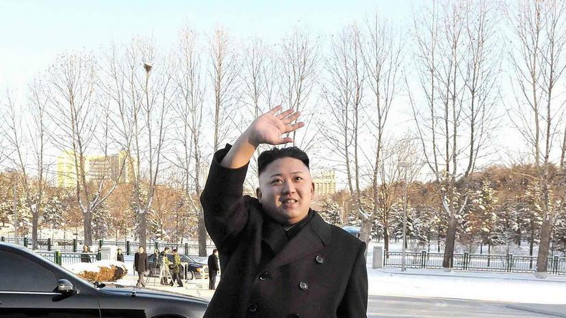 Ким Чен Ын накормил детей конфетами