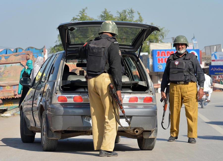 Пакистан вручил ноту протеста послу США в связи с устранением лидера пакистанских талибов