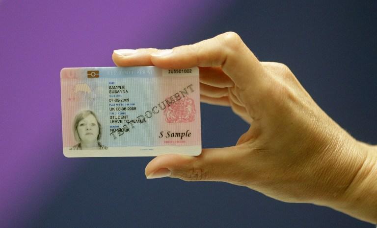 Американскую школьницу исключили за отказ носить ID-карты