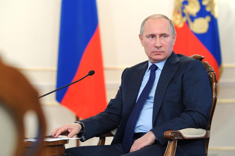Владимир Путин поручил подключить сельские населённые пункты России к интернету к 2016 году