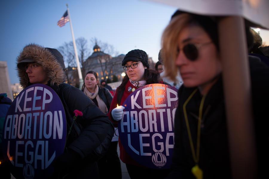 В Арканзасе бастуют против запрета на аборты