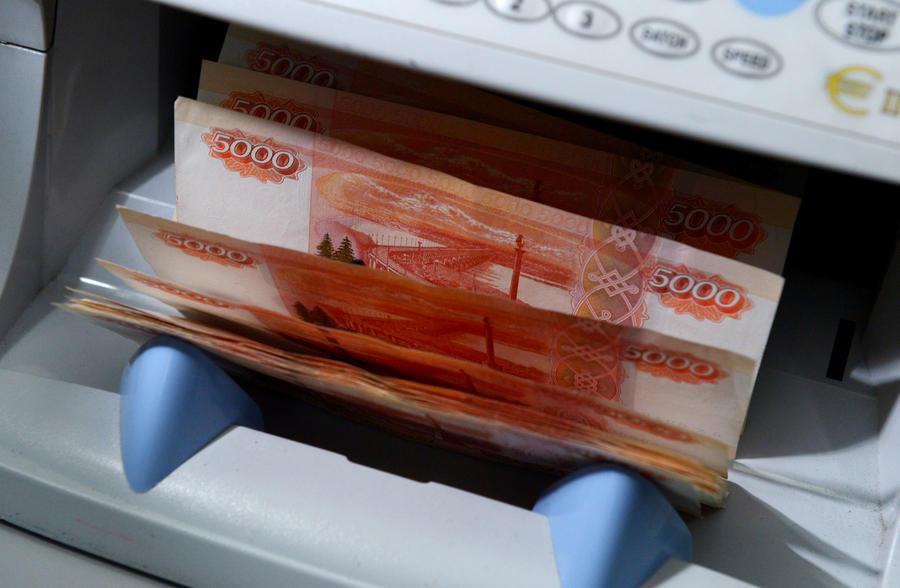 СМИ: В России работодатели будут выплачивать долги своих сотрудников за счёт их зарплаты