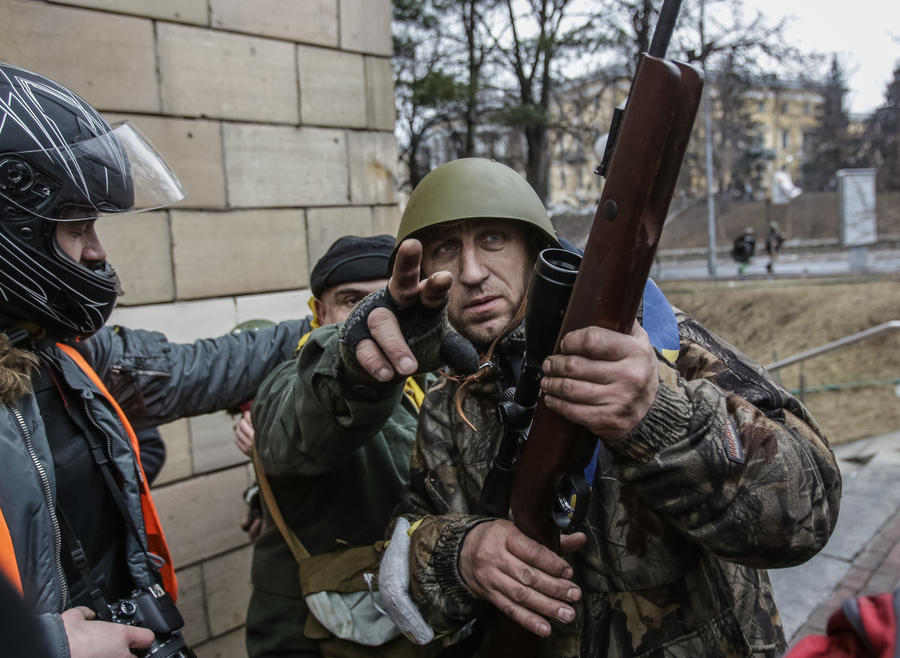 Националисты и радикалы стремятся к власти на Украине