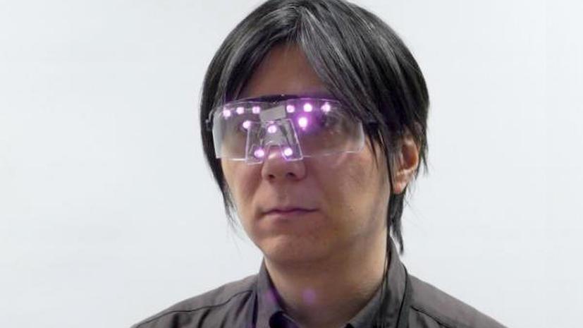 Изобретены очки, скрывающие лицо от цифровых камер