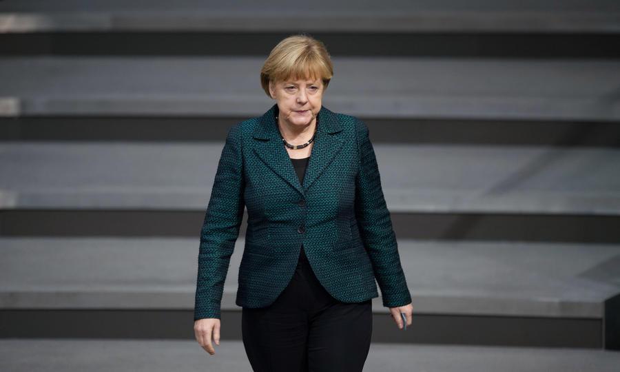 Народ против Ангелы Меркель: воинственная политика канцлера ФРГ расколола Германию и ЕС