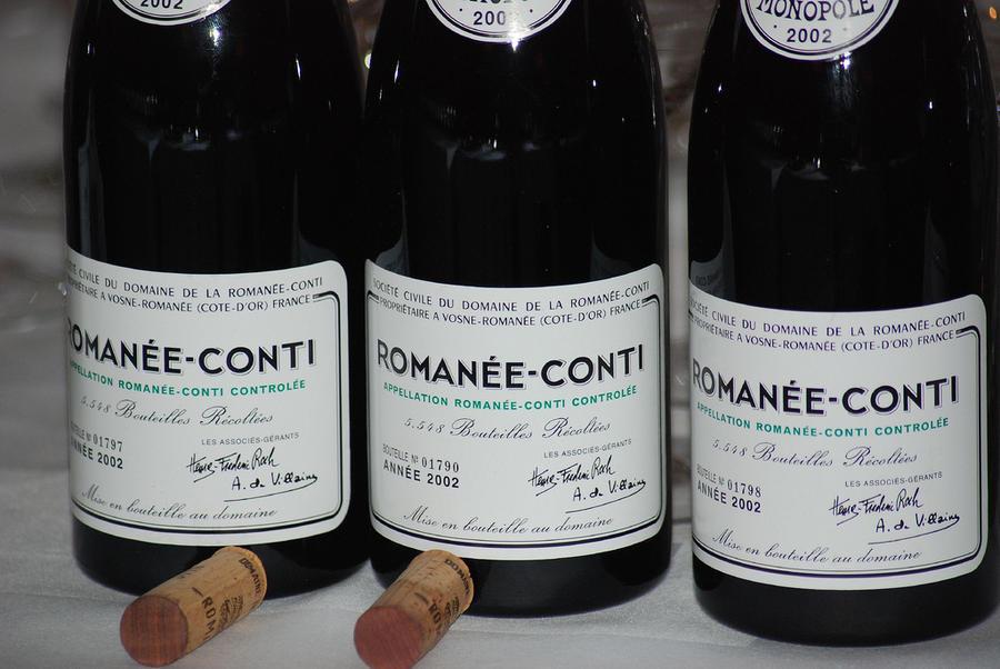 Французская полиция раскрыла европейскую преступную сеть по подделке элитного вина