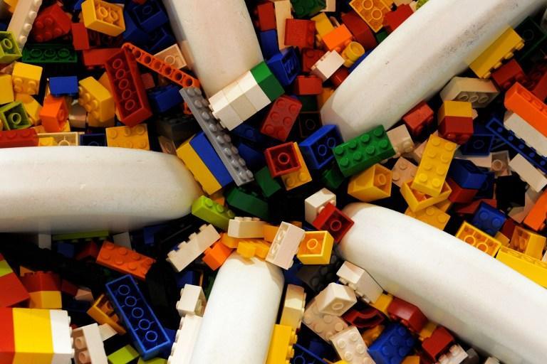 Greenpeace настаивает на прекращении сотрудничества Lego и Shell
