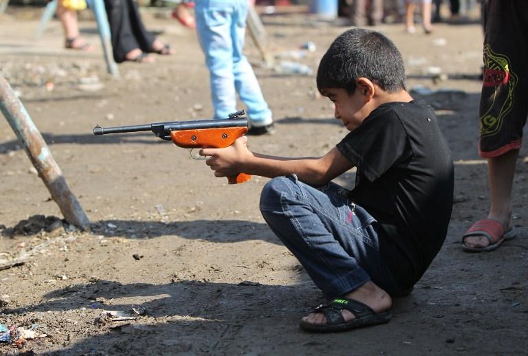 Мексиканская полиция борется с игрушечным оружием
