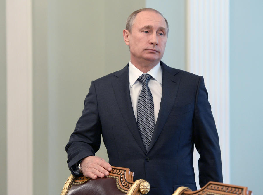 Владимир Путин поручил проработать вопрос уничтожения санкционных товаров на границе РФ