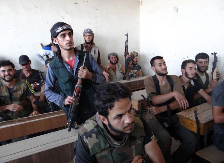Французская газета: США и  Израиль подготовили сирийских боевиков для броска на Дамаск