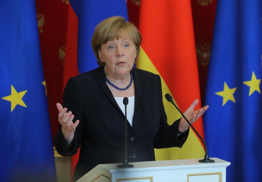 Ангела Меркель: Башара Асада нужно включить в переговоры по Сирии