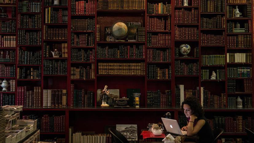 Школы в США убирают из библиотек книги про афроамериканцев и индейцев