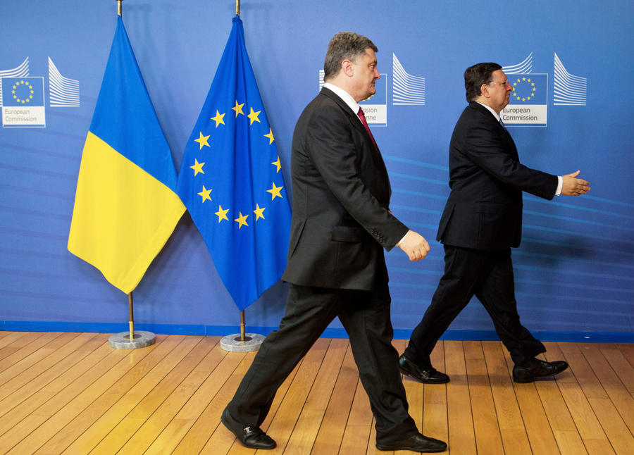 СМИ: Европа устала от жалоб Порошенко