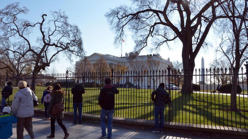 Опрос: Жители США считают, что властям надо заботиться о стране, а не лезть в дела других государств
