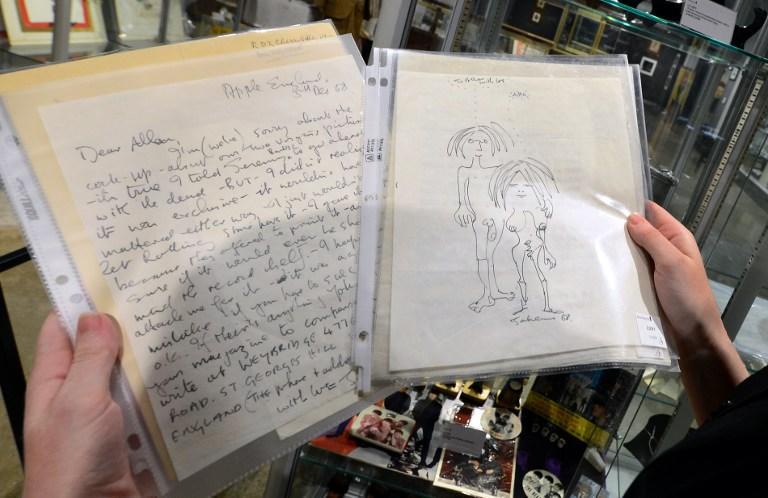 Рукописи Джона Леннона уйдут с молотка