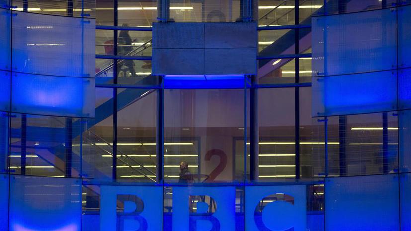 Журналист: Компания BBC редактирует свои материалы, защищая союзников Великобритании