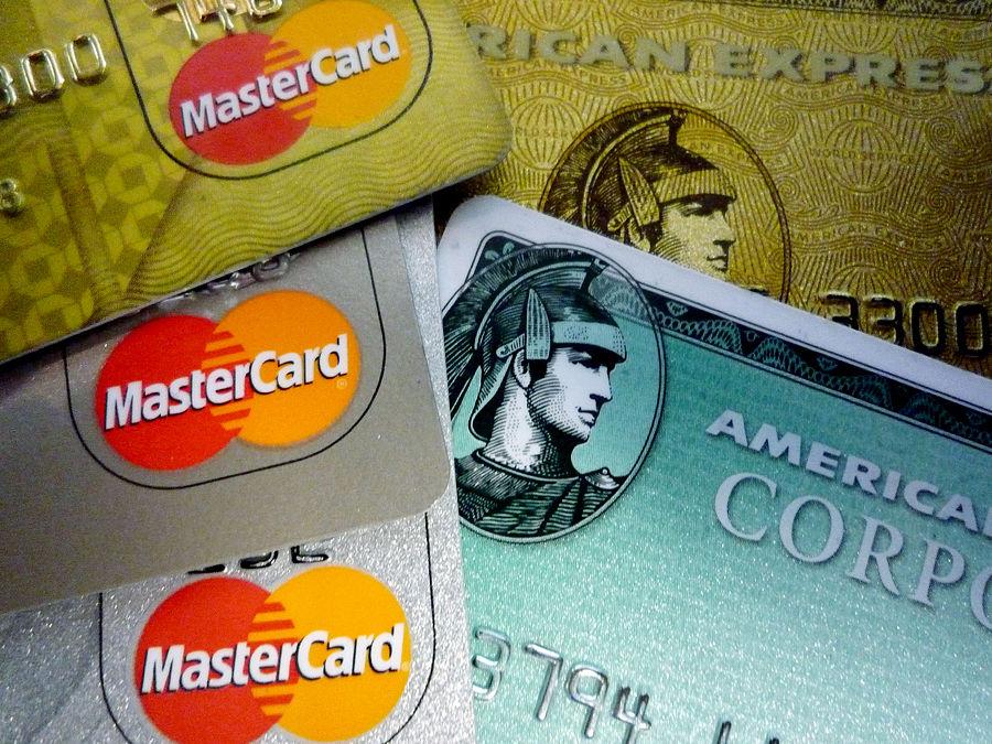 Твиттер и American Express впервые запускают сервис покупок