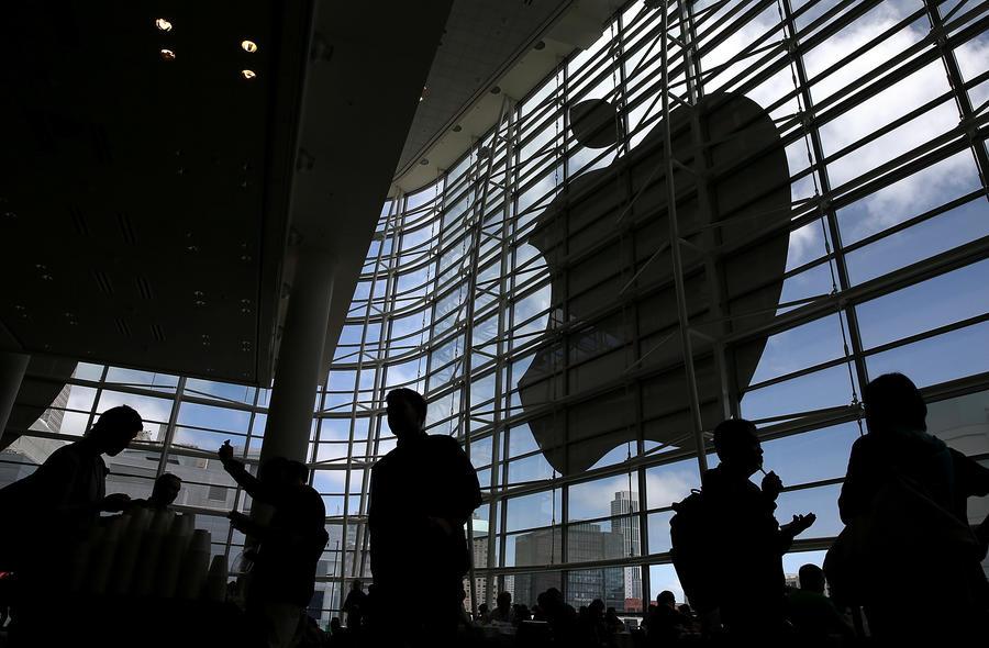 Эксперты: Компания Apple установила лазейки в системе безопасности на 600 млн своих устройств