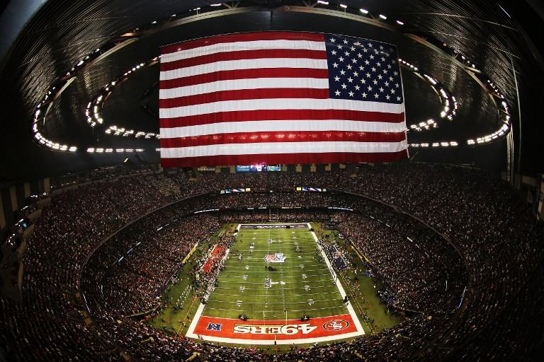 Фанатам американского футбола запретят ходить на матчи с сумками и рюкзаками