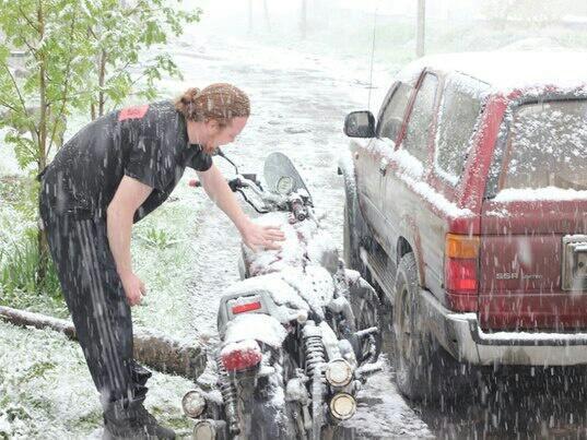 Во второй день лета в Кемерово выпал снег