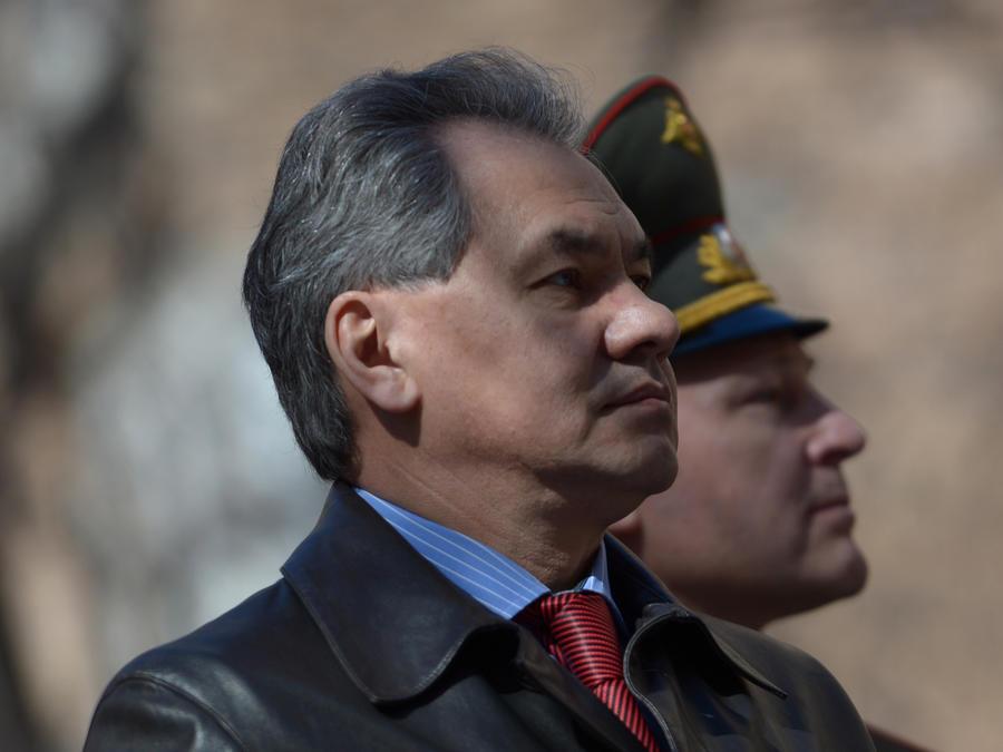 Сергей Шойгу: Военнослужащие должны начинать каждое утро с исполнения гимна России