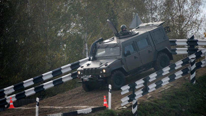 Броневики Сердюкова «подвезли» таможенников под статью об измене Родине