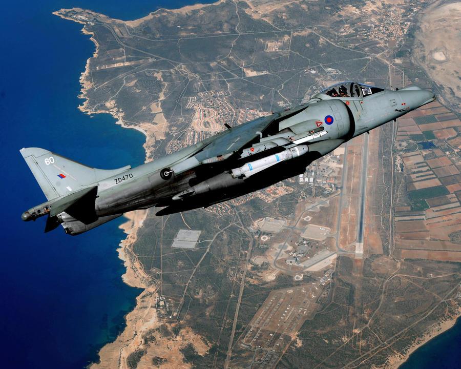Британские парламентарии раскритиковали министерство обороны за новые авианосцы