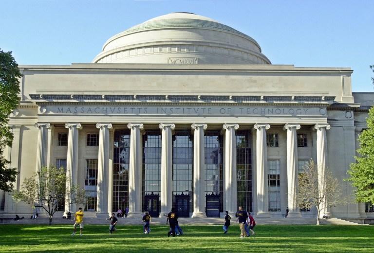 Массачусетский технологический институт опубликует досье Аарона Шварца